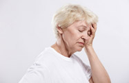 Woman-showing-symptoms-of-Dizziness